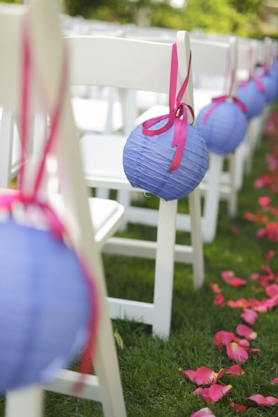 Toma asiento sillas para bodas lalablu for Sillas para novios