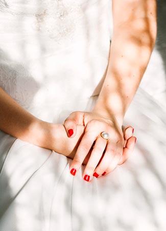 manicura-rojo-novias