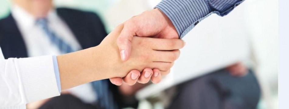 estrechamiento de manos